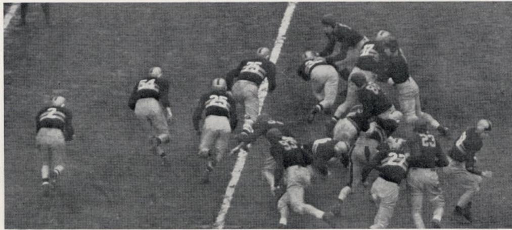 ArmyFB_1937_vsNavy-offense