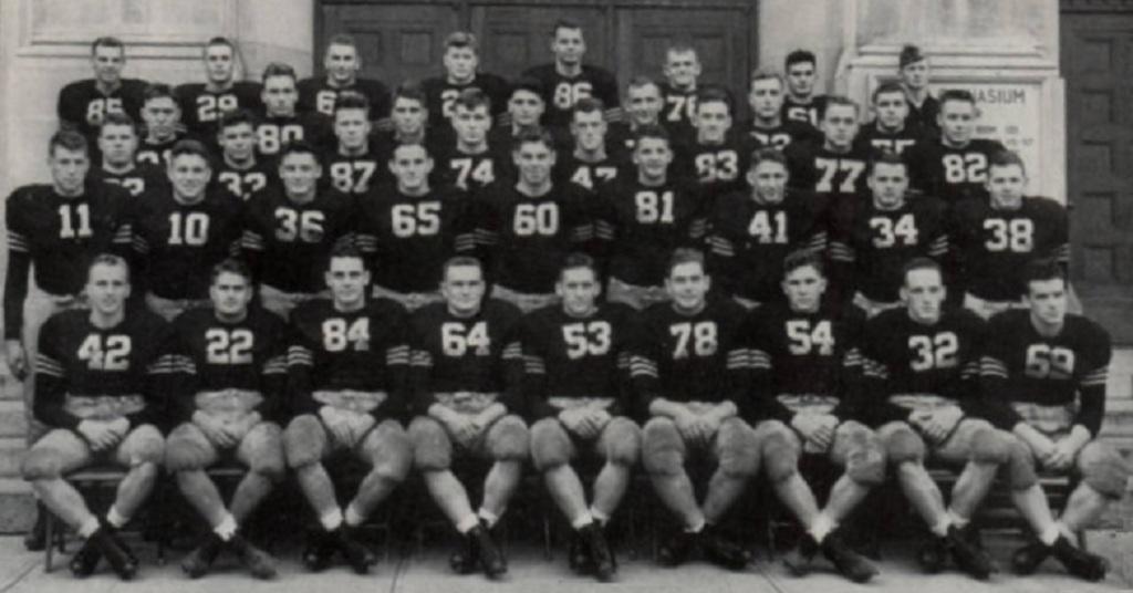 ArmyFB_1943_team