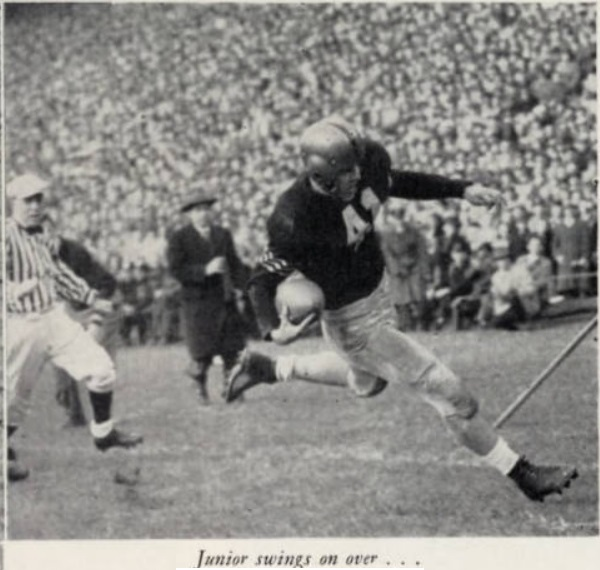 ArmyFB_1946_action-5_Davis-run