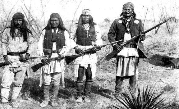 Apache Chief Geronimo (right)_and_his_warriors_in_1886