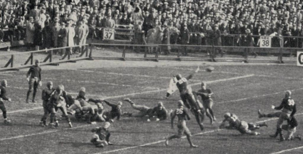 ArmyFB_1927_field-goal