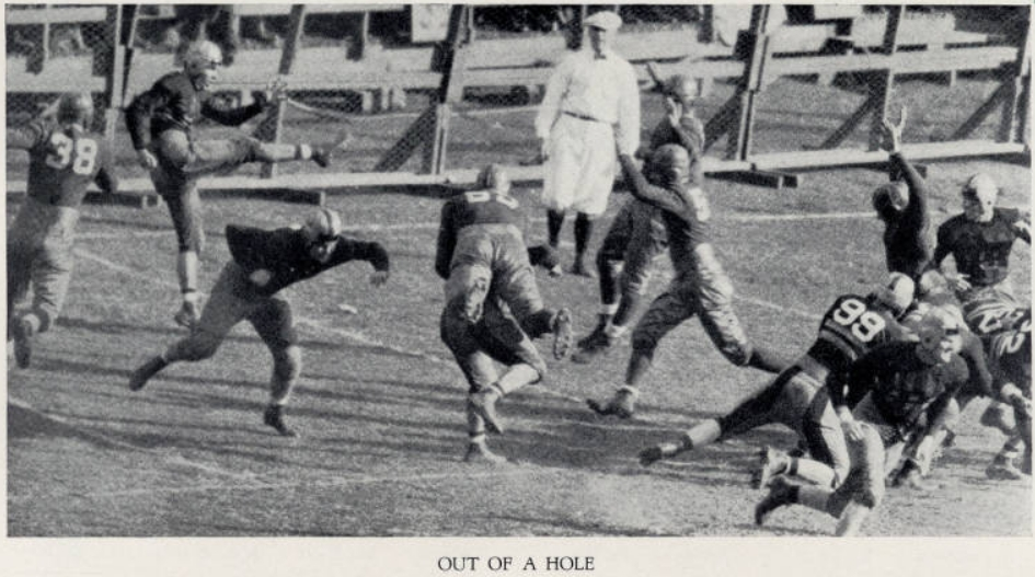 ArmyFB_1933_Buckler-punt