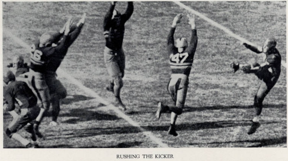 ArmyFB_1933_rushing-the-kicker