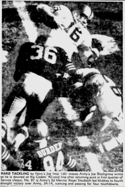 ArmyFB_1962_vsNavy-JoeBlackgrove_PittsburghPress_Dec21962