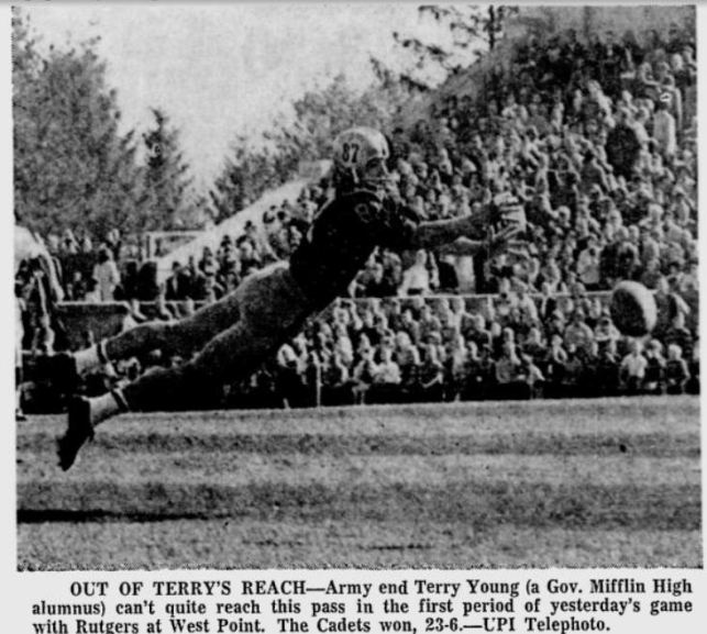 ArmyFB_1965_TerryYoung_ReadingEagle_Oct171965
