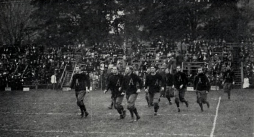 ArmyFB_1910_run-on