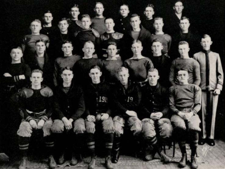 ArmyFB_1917_CullumHall-team_Howitzer1919