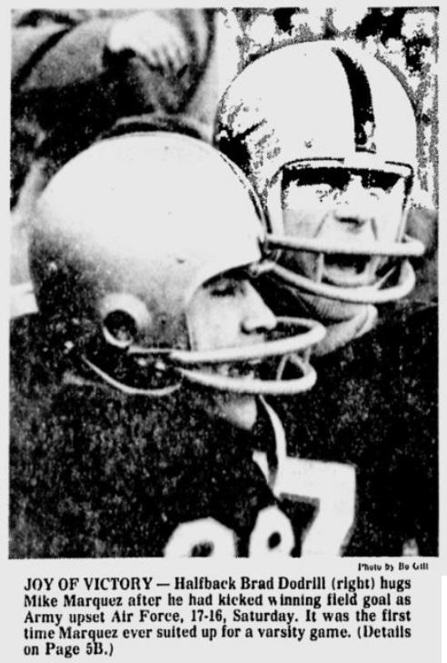 ArmyFB_1974_Marquez-Dodrill_EveningNews_Nov111974