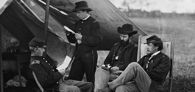Civil-War-soldiers-reading-letter-from-home-631.jpg__800x600_q85_crop.jpg