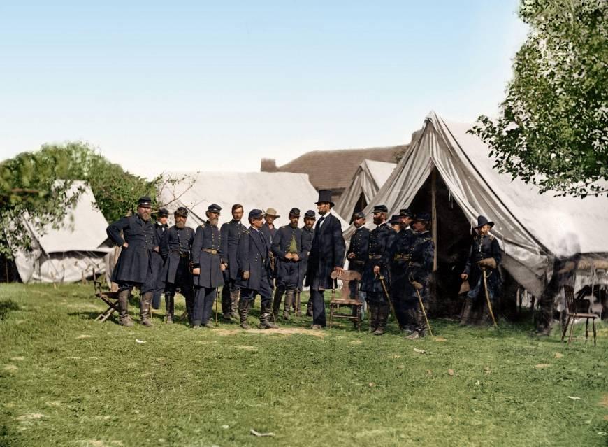 lincoln-meets-with-general-mcclellan-antietam-september-1862-photo-u1.jpg