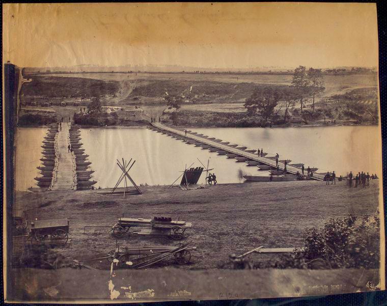 pontoonbridges at Fredericksburg.jpg